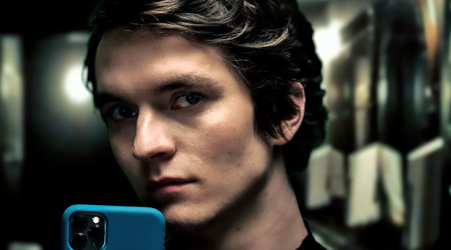 Fionn Whitehead The Picture of Dorian Gray